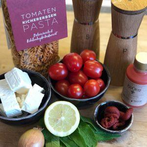 Pasta mit Tomaten-Salbei-Sauce und Feta Zutaten