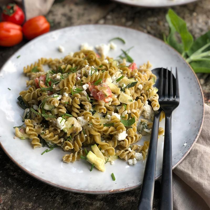 Kichererbsen Pasta mit Zuccini
